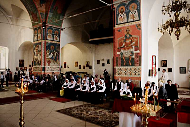 служение в храме Архангела Михаила